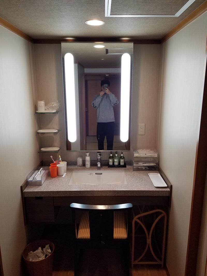 洗面所 箱根湯本「ホテルおかだ」露天風呂付き客室「紅藤」に泊まってみた感想