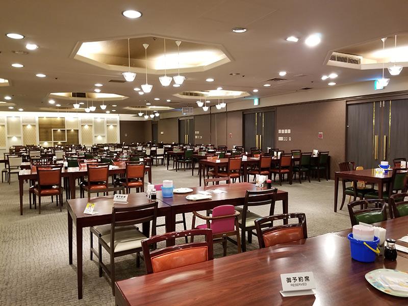 ディナーブッフェ 箱根湯本「ホテルおかだ」露天風呂付き客室「紅藤」に泊まってみた感想