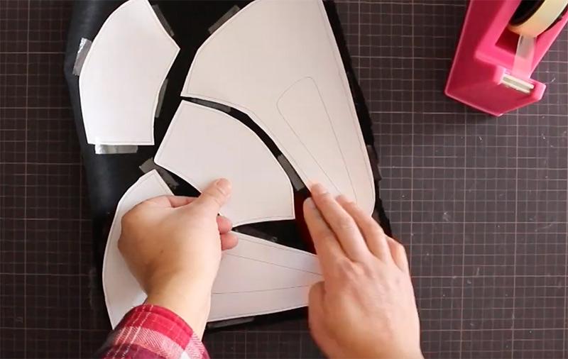 マスクの作り方〜型紙を不織布に貼り付ける
