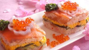 華やか菱餅風 押し寿司のレシピ・作り方〜牛乳パックとちらし寿司の素でわずか30分!