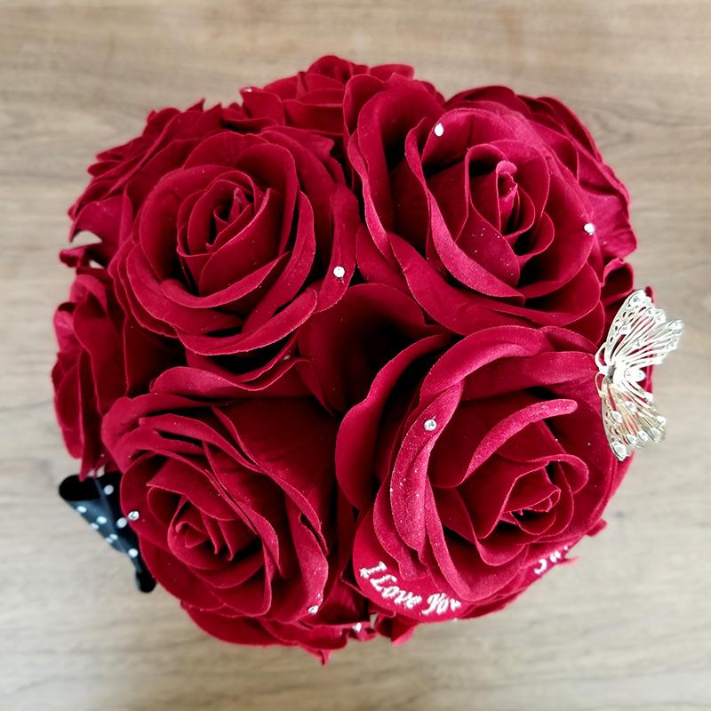 めちゃ映え!赤バラサプライズボックス