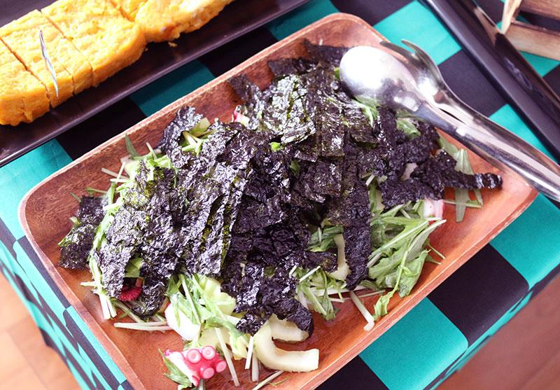 鬼滅の刃がテーマの誕生日パーティー演出 料理 サラダ