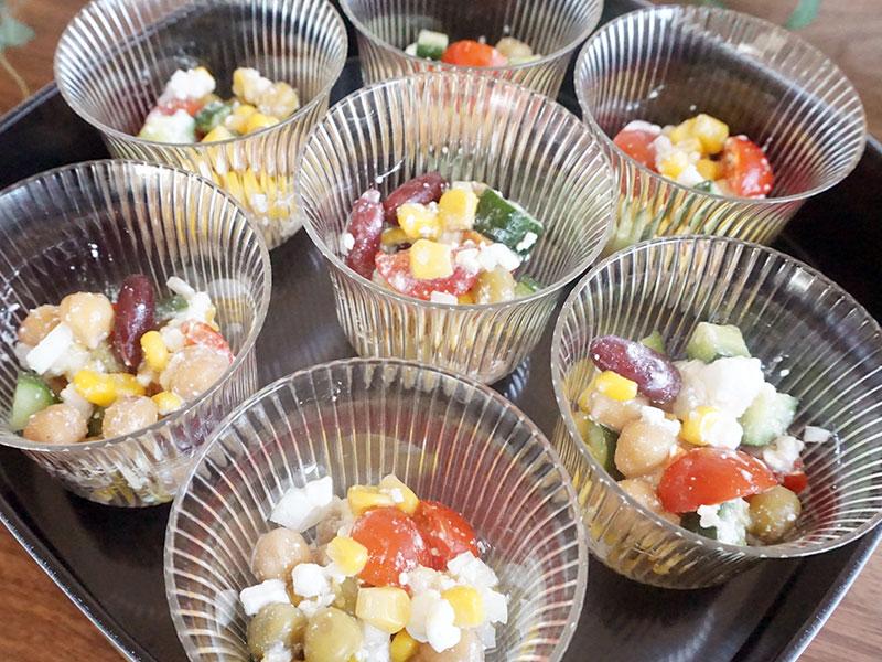 ミックスビーンズのカップサラダ(4人分)の作り方