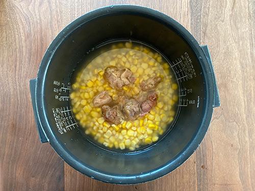 鶏とコーンの炊き込みご飯の作り方
