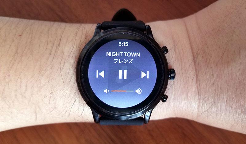 FOSSIL 音楽アプリを時計で操作できる
