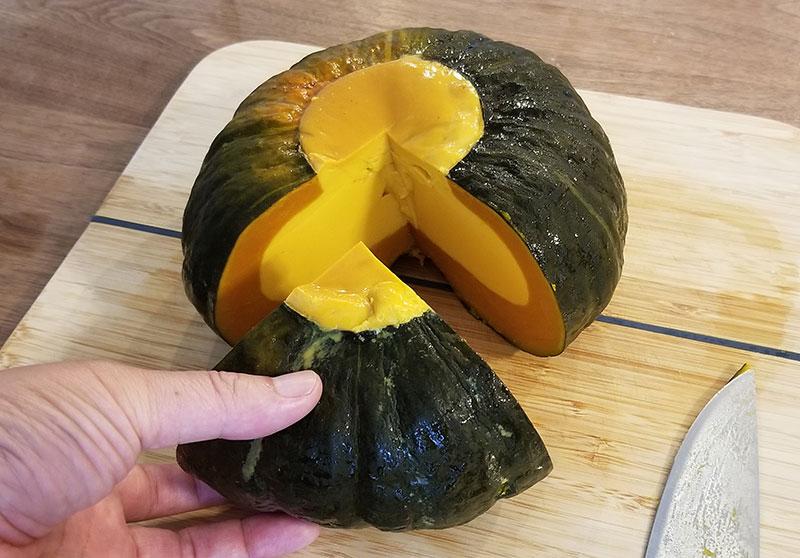 イエローパンプキンの人気スイーツ「元祖まるごとかぼちゃプリン」食べてみた感想