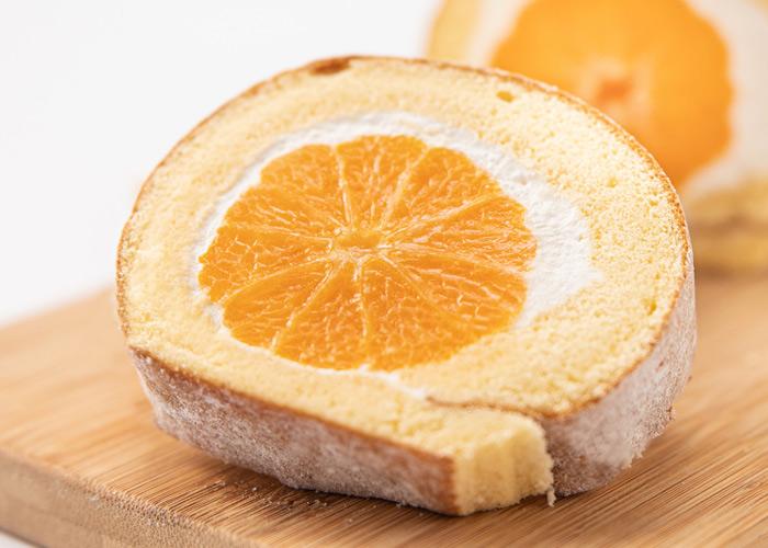 まるごとみかん フルーツロールケーキ  丸ごとフルーツのスイーツ