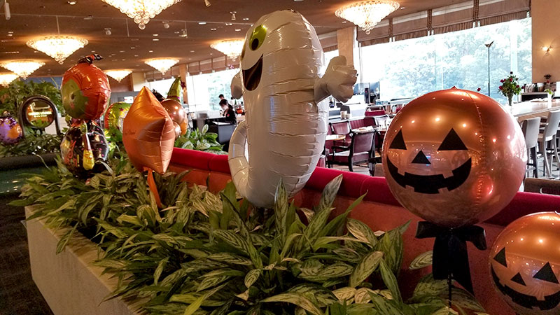 ホテルニューオータニ ガーデンラウンジ ハロウィン装飾