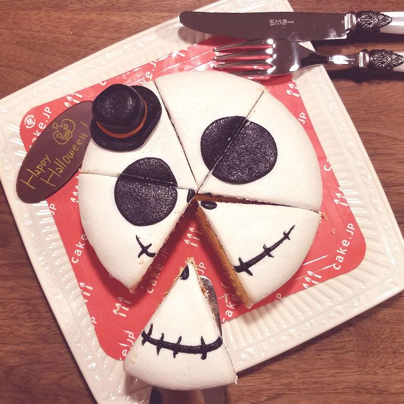 6等分にカット ハロウィン 骸骨チーズケーキ レビュー 食べた感想