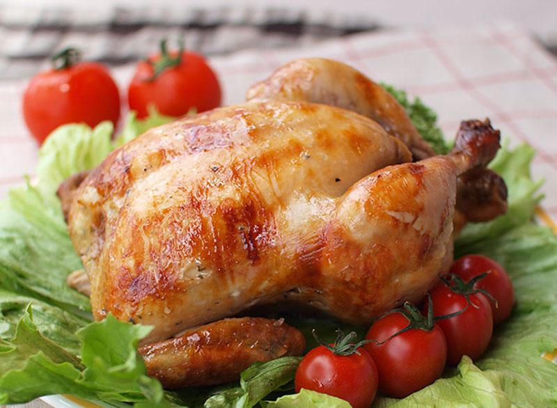 TVで話題の沖縄県産若鶏の丸焼き「ブエノチキン」