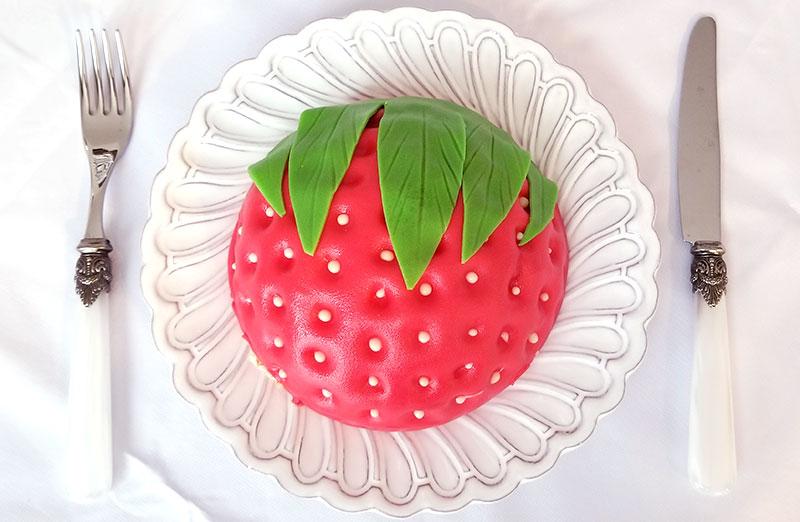 カワイイ!いちごの立体ケーキをお取り寄せ