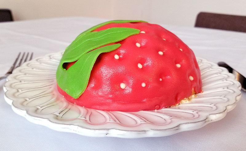 横から見たイメージ いちごの立体ケーキ レビュー 感想