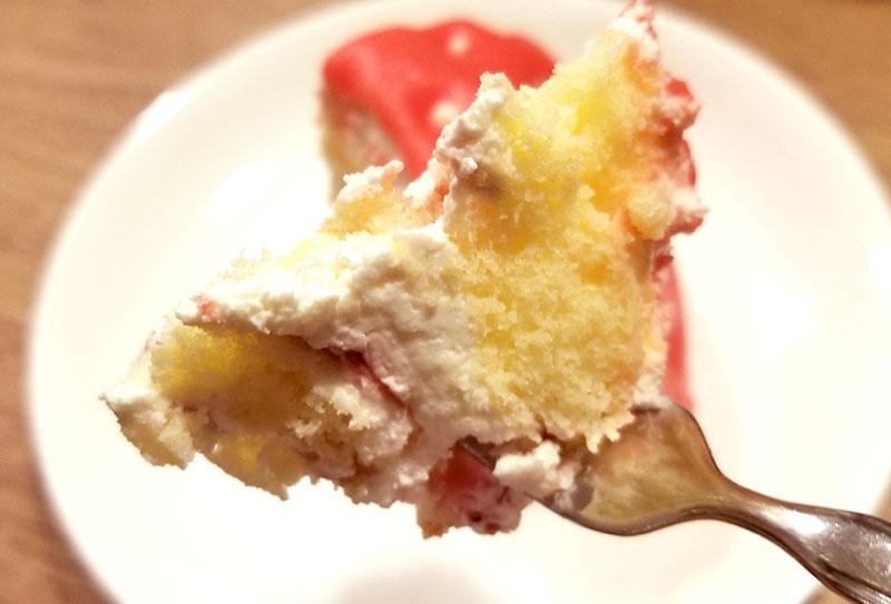 ケーキを食べた感想 いちごの立体ケーキ レビュー 感想