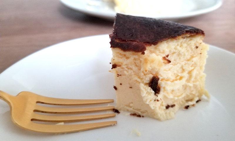 金澤の人気レストラン「レスピラシオン」のバスクチーズケーキ「しあわせチーズ」を食べた感想