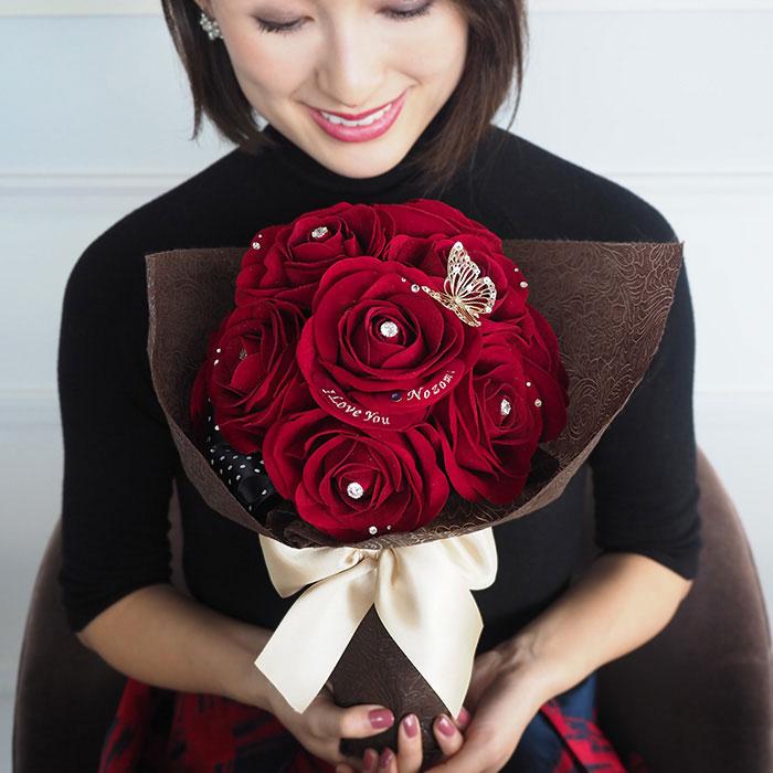 12本のバラに想いを込めて・・「ずっと枯れないバラの花束」
