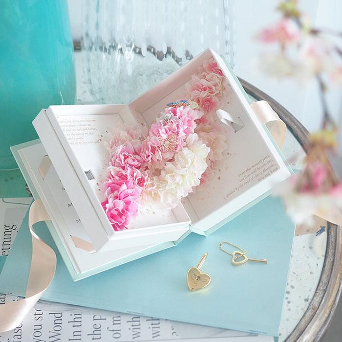 満開の桜のサプライズプロポーズ「Love Book -桜・Sakura-」