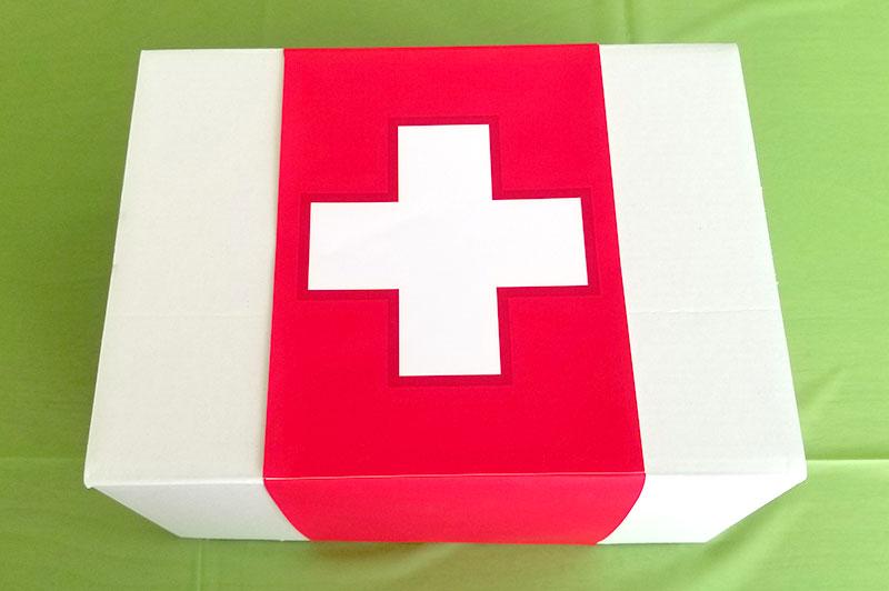 お菓子ボックス フォートナイトをテーマにした小学生男子の誕生日の飾り付け