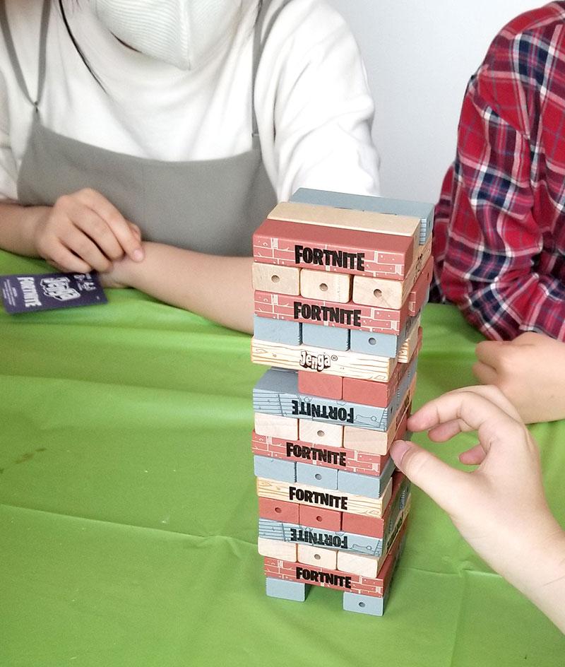パーティーゲーム-4 ジェンガ  フォートナイトをテーマにした小学生男子の誕生日の飾り付け