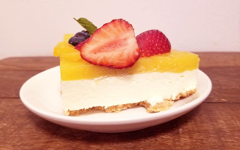 マンゴーレアチーズケーキ 1ピース 断面