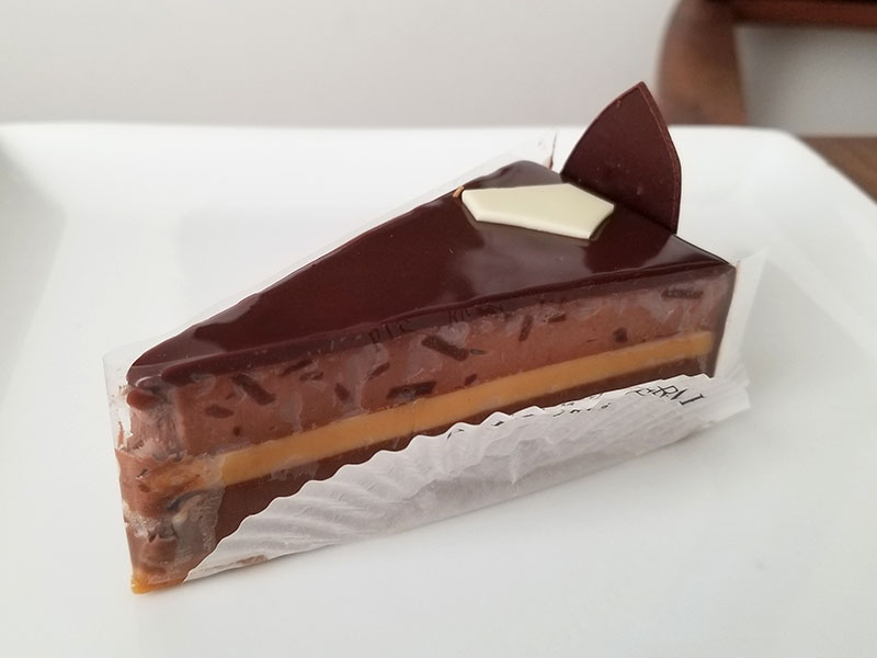 チーズケーキ プレニチュード ピエールエルメの生ケーキ