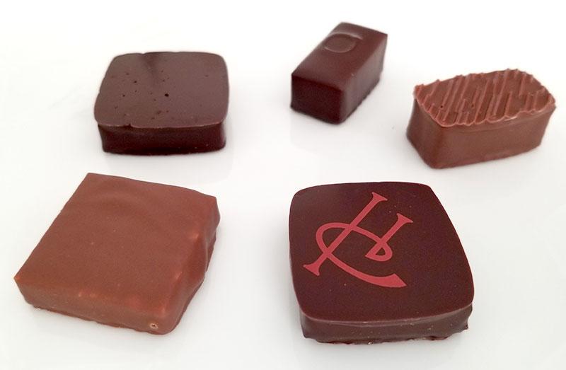 ピエール・エルメのバレンタインチョコ「アソリュティマン ド ショコラ 5個入り」