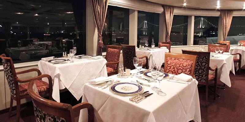 東京ベイ・クルージングレストラン シンフォニークルーズ 船内イメージ
