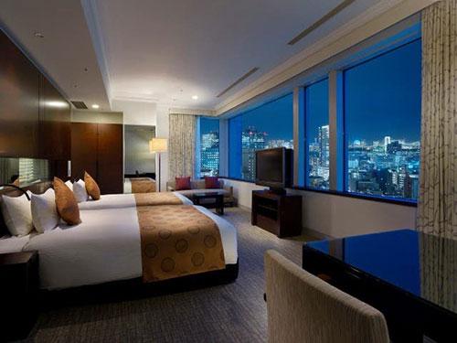 高層階からは東京ベイや六本木の夜景が!