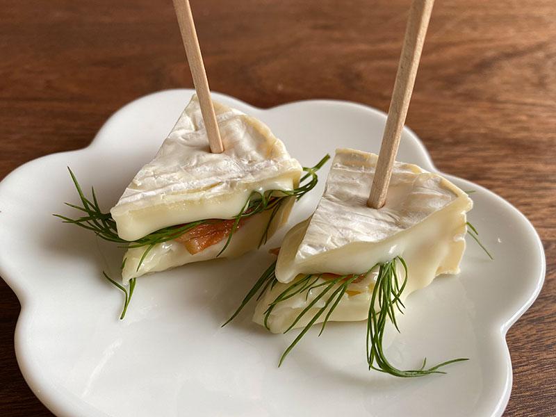 スモークサーモンとカマンベールのピンチョス レシピ 作り方 ピンチョス フィンガーフード