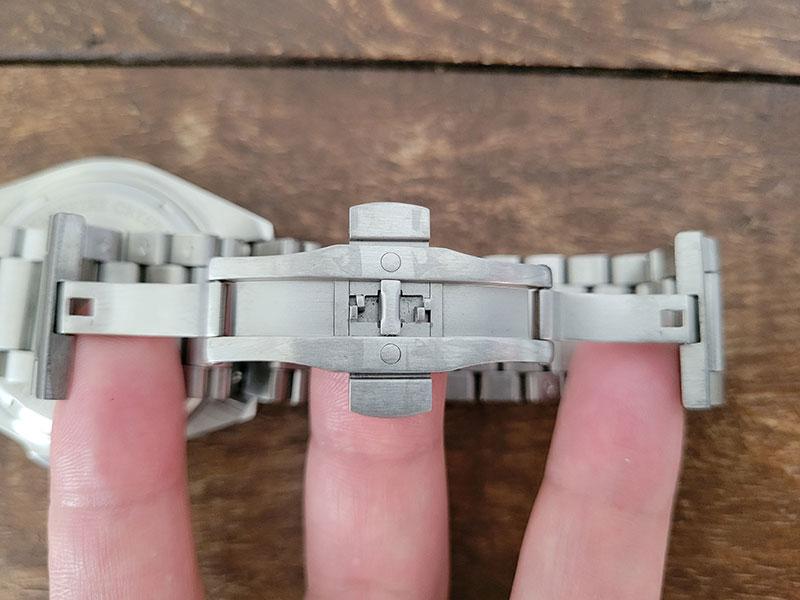 ベルト ルノータスのダイバーズウォッチ・アクアオーシャン45をカスタムオーダー