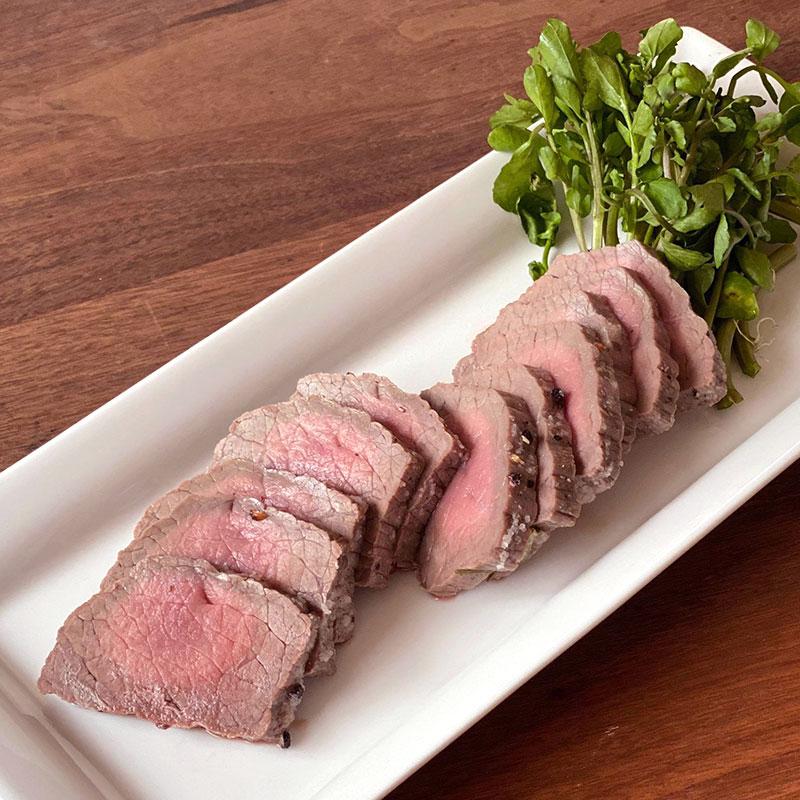 フライパンで作れる!牛肉のハーブ塩釜焼きのレシピ・作り方