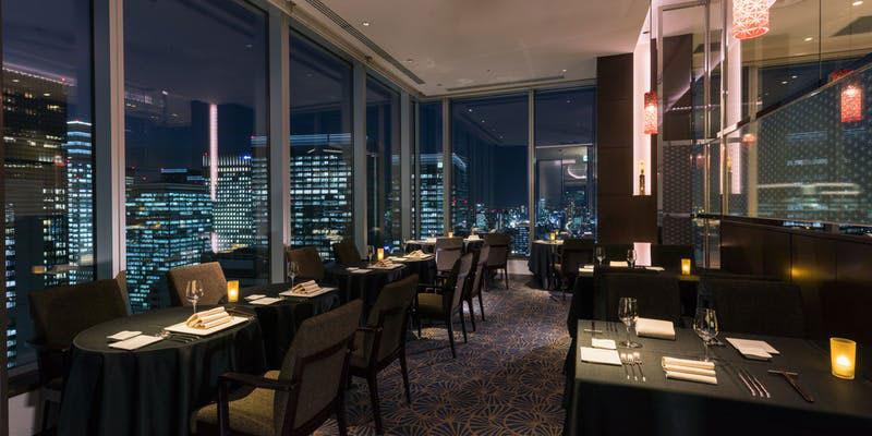 Dining & Bar TENQOO 店内 夜景