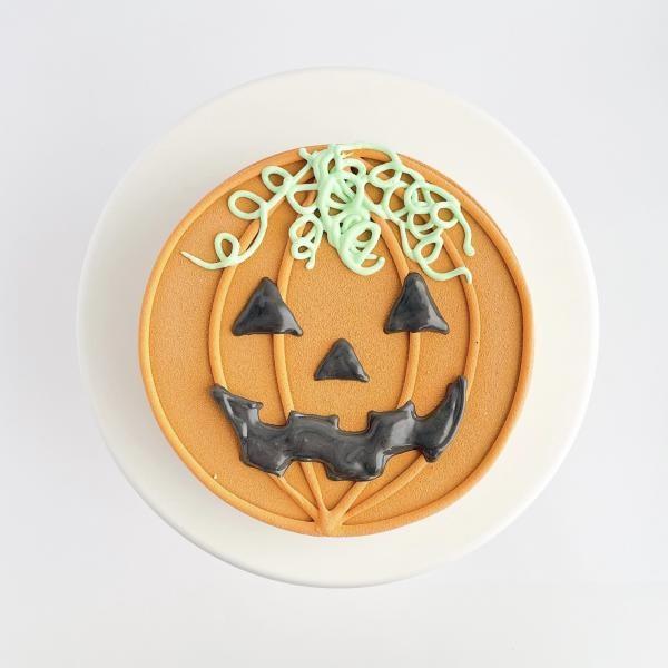 かぼちゃのおばけケーキ〜チョコレートムースケーキ 5号