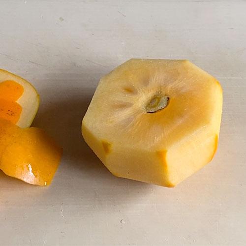 丸ごと柿のコンポートの作り方
