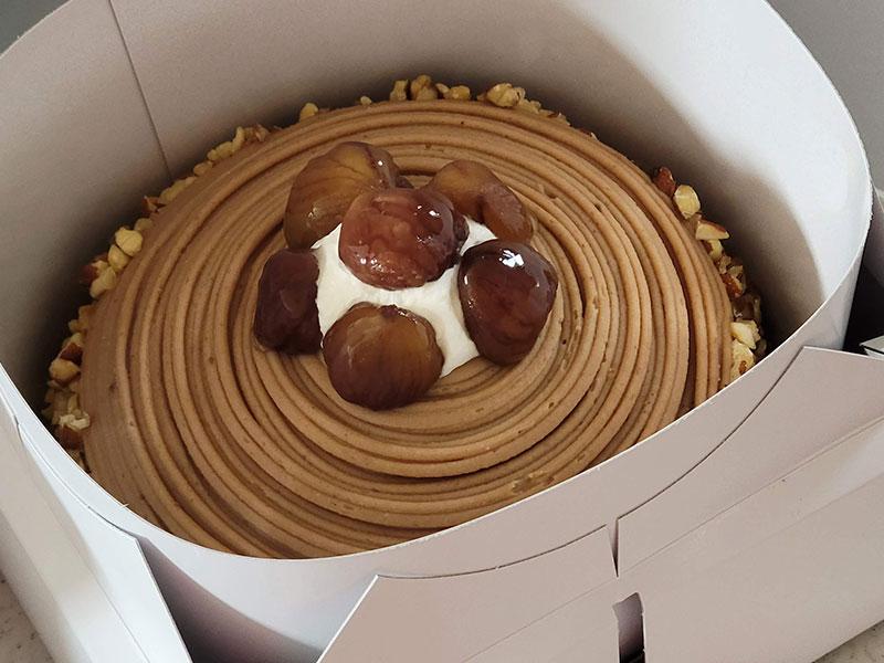 【イタリアントマト】イタリア栗のモンブラン 解凍後のケーキの状態