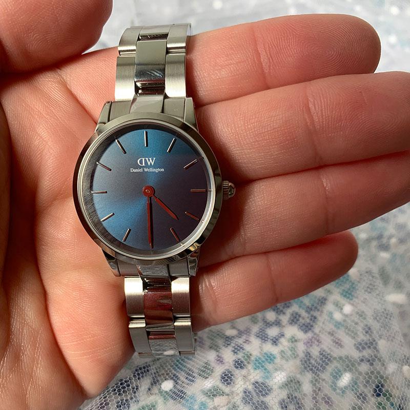 Iconic Link Arctic レビュー・クチコミ・評価 手に持った時計